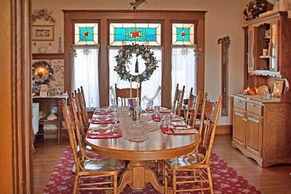 The Homespun Country Inn, dining room