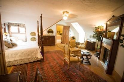 Gramercy Mansion Bed & Breakfast side bedroom view