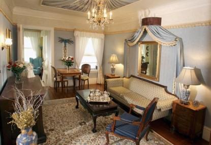 Gramercy Mansion Bed & Breakfast sitting area
