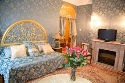 Gramercy Mansion Bed & Breakfast Cassatt suite