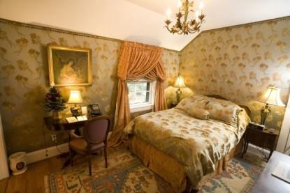 Gramercy Mansion Bed & Breakfast magnolia bedroom