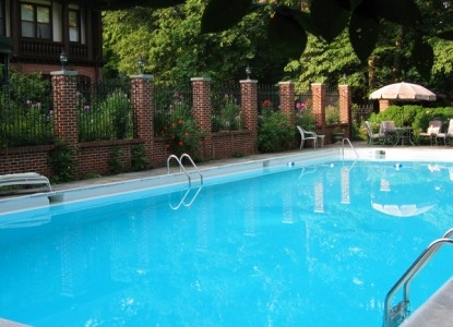 Gramercy Mansion Bed & Breakfast swimming pool
