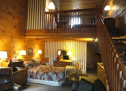 Fields of Home Lodge and Cabins bedroom
