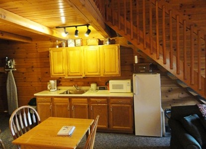 Fields of Home Lodge and Cabins kitchen