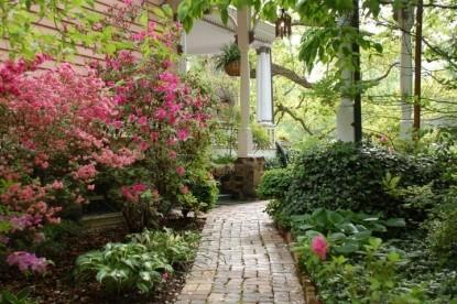 Beaufort House Inn-Walkway
