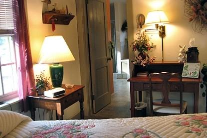 Flowers & Thyme Bed & Breakfast, thyme room