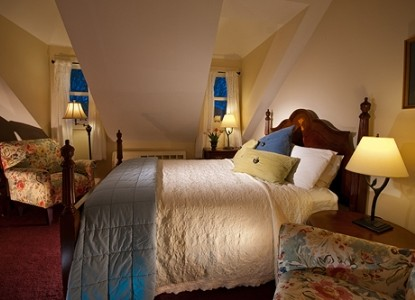 Standard configurations include 2 bedroom 1 - York Harbor Inn Room Rates And Availability Bbonline Com
