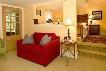 York Harbor Inn couch