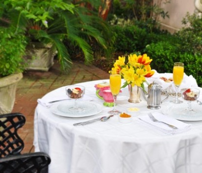 Enjoy Breakfast at Presidents' Quarters Inn