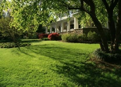 The Windover Inn Bed & Breakfast, gardens