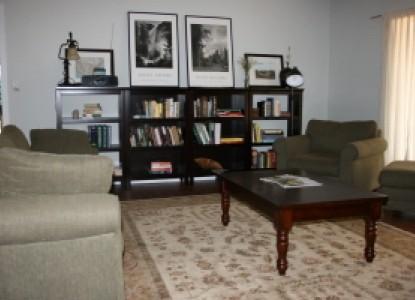 Yosemite Rose Bed & Breakfast,  Ranch House living room