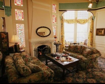 Green Gables Inn | Four Sisters-Common Area