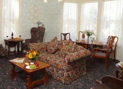 Gosby House Inn, A Four Sisters Inn, living room