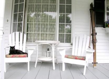 Mountain Fare Inn,front porch
