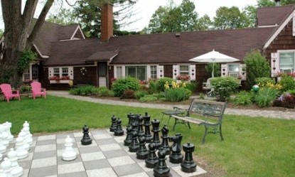 Lazy Cloud Lodge, chess board