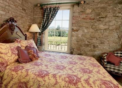 Maison Fleurie, A Four Sisters Inn, bedroom