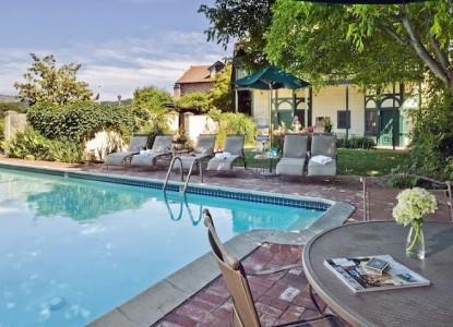 Maison Fleurie, A Four Sisters Inn, swimming pool