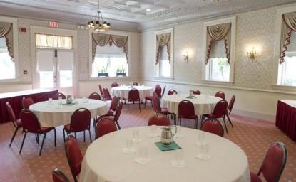 Kings Courtyard Inn Bed & Breakfast dining room