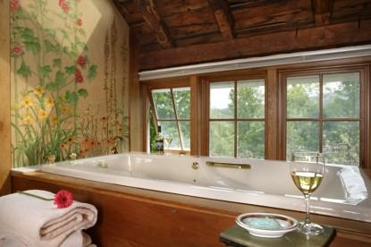 The Inn at the Round Barn Farm Richardson Room bath