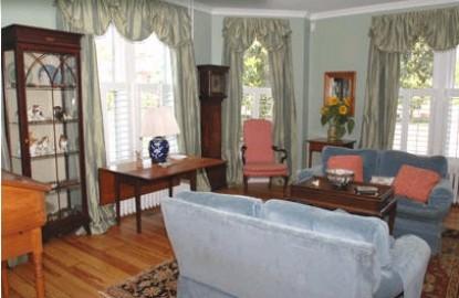 Mill Street Inn living room