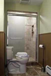 Golden Stage Inn toilets