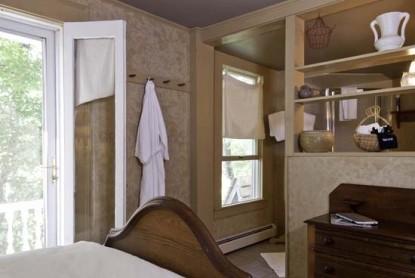 Golden Stage Inn door