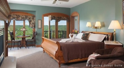 Hermann Hill Vineyard Inn & Spa, Riverbluff Cottages and Wedding Chapel-Vignoles Guest Suite