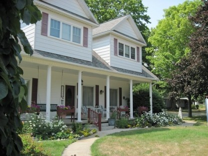 Antique style and charm provide a comfortable retreat at the Arcadia House Bed & Breakfast in any season.