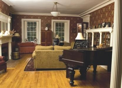 Catamount Bed & Breakfast, living room