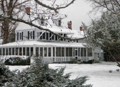 Black Walnut Point Inn snow