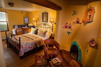 El Paradero Bed & Breakfast Inn room four