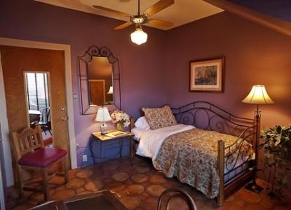 El Paradero Bed & Breakfast Inn room eleven