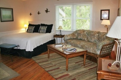 The Cove Bed & Breakfast, plover suite room