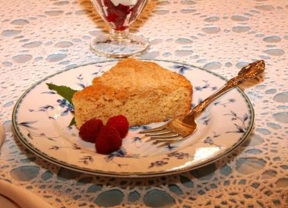 Bechtel Victorian Mansion Bed & Breakfast Inn cake
