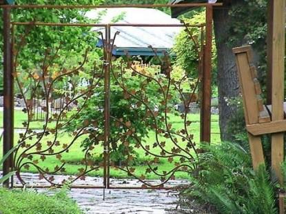 Artist's Studio Loft Bed and Breakfast garden