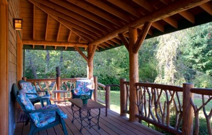 Artist's Studio Loft Bed and Breakfast porch