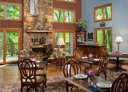 The Iris Inn living room