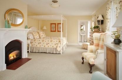 Bass Cottage Inn, Verbena Room
