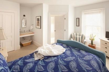 Bass Cottage Inn, Lavender room