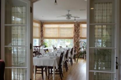 Bass Cottage Inn, dining area