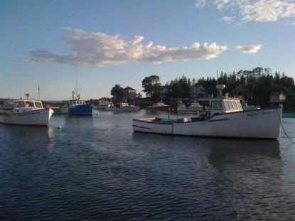 Bass Cottage Inn, boats