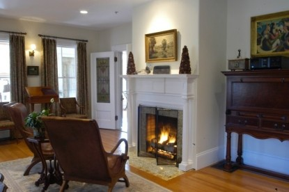 Bass Cottage Inn, fireplace