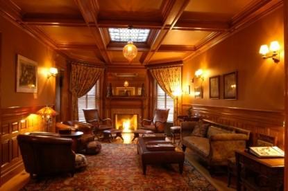 Bass Cottage Inn, common lounge