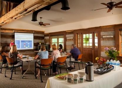 Inn & Spa At Cedar Falls meeting room