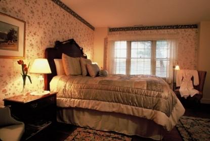 1800 Devonfield Inn, an English Country Estate, Andrew Room