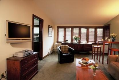 Devonfield Inn Bed & Breakfast, penthouse suite
