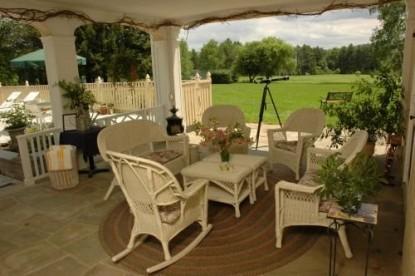 1800 Devonfield Inn, an English Country Estate, patio