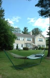 1800 Devonfield Inn, an English Country Estate, backyard