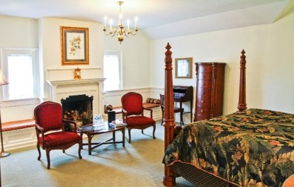 Bellamy Jr. Suite, bedroom