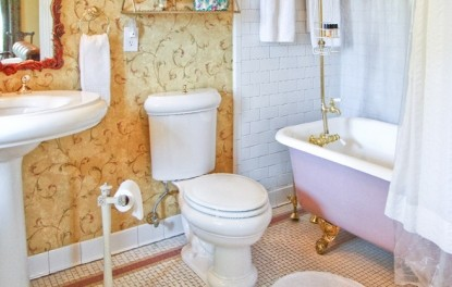 St. James, bathroom